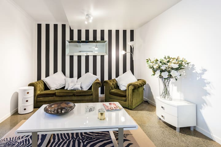 Cosy 2 bedroom apartment in Trendy Paddington - Paddington - Appartement