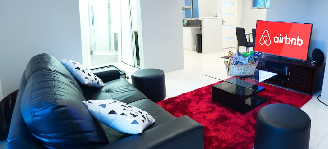 2 Bedroom Apartment Next to the Airport and City - Redcliffe - Appartement