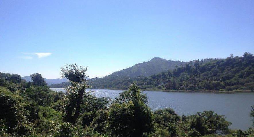 River Side Villa - Kundasale - Natur lodge