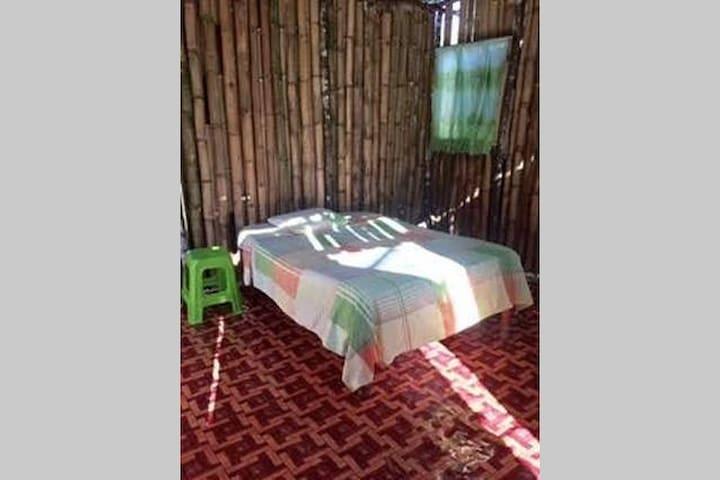 Jardin d'Eden Jamaica - Bamboo Cabin Village - Montego Bay - Hut