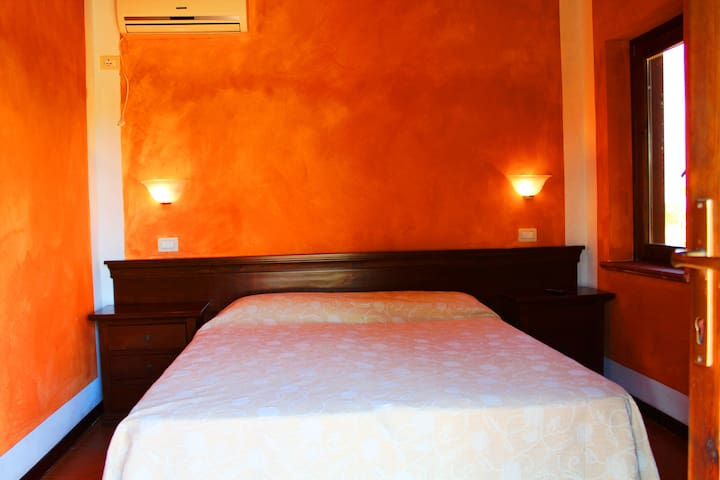 Il Feudo - Camera Matrimoniale (1B) - San Costantino - Bed & Breakfast