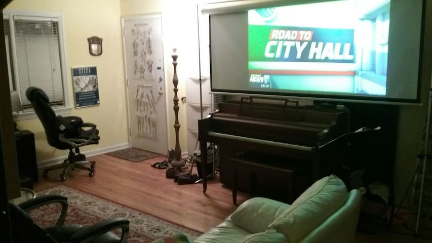15 minutes to NYC shared apartment - Englewood - Leilighet