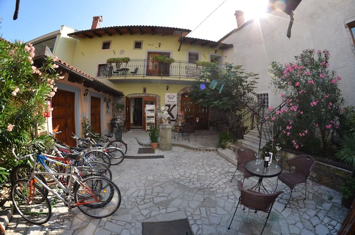 Apartment in a nice city Vipava - Vipava - Departamento