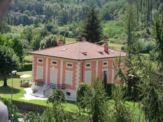 Villa Liberty Mediavalle - Valdottavo - Huis