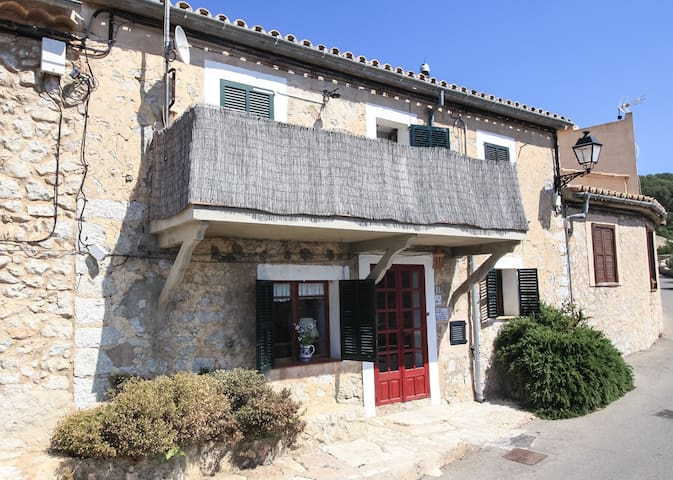 Can Morey de Galilea - Puigpunyent - Rumah