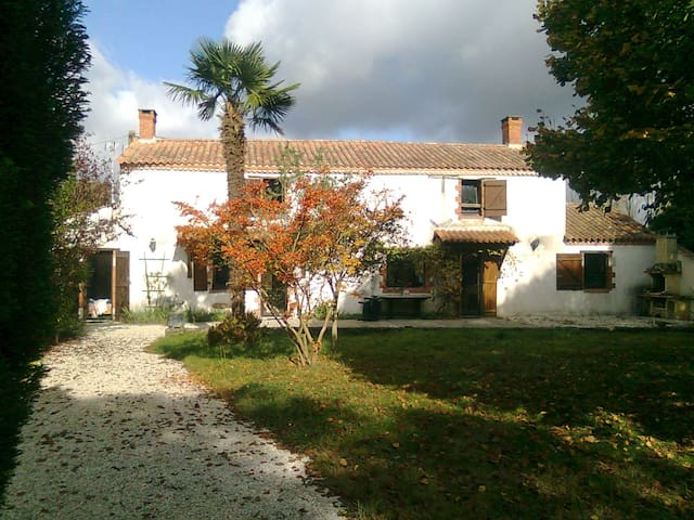 House with Pool in Vendee France - Le Girouard - Ev