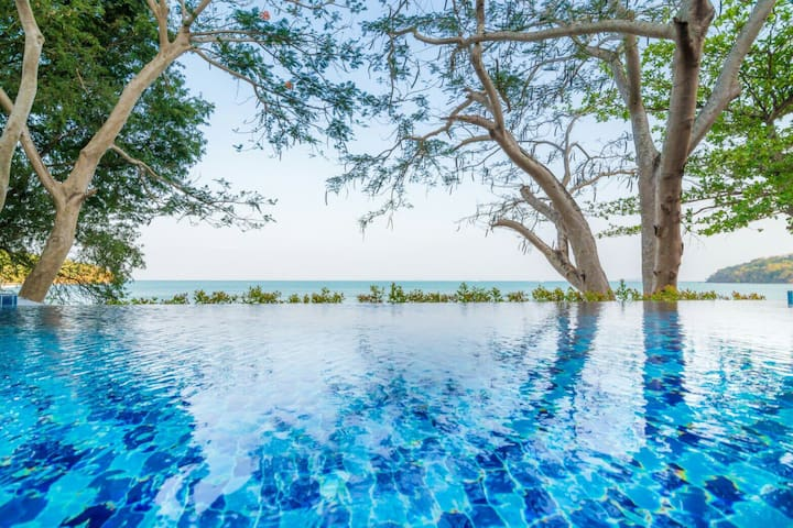 Koh Sirey Beachfront Pool Villa - Ratsada - Vila