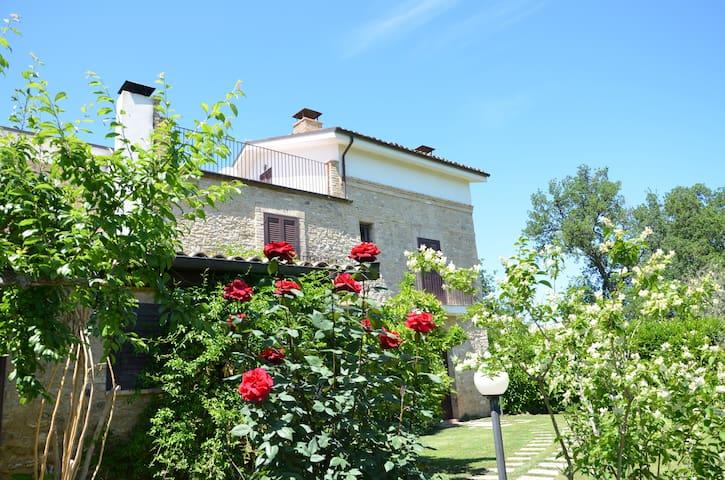 Charming Country Villa - Poggiofiorito