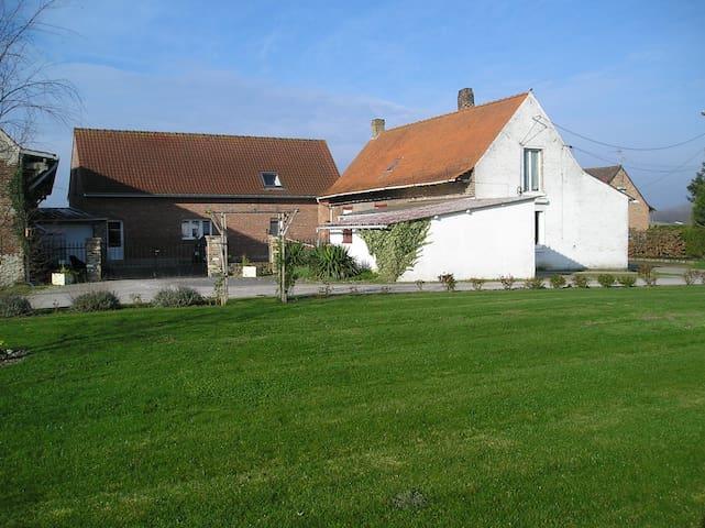 Logement indépendant dans une fermette - Merville - Huis