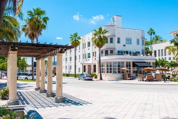 AMAZING BEACH VIEW @ PRIME LOCATION - 邁阿密海灘 - 公寓