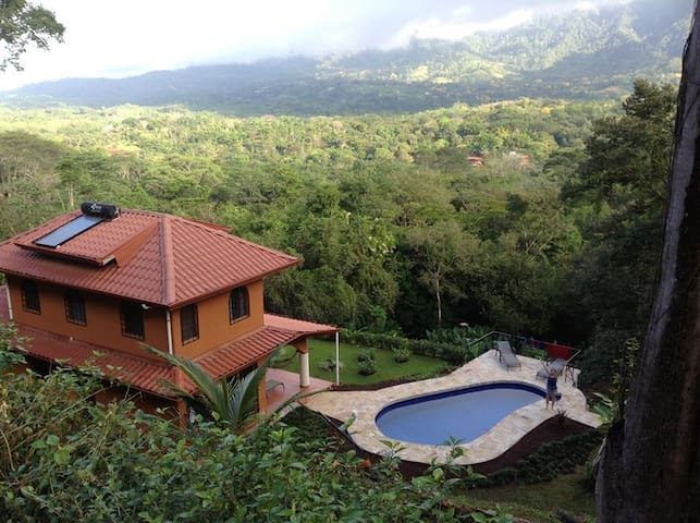 Vacation home in beautiful tropical village - Ojochal - 一軒家