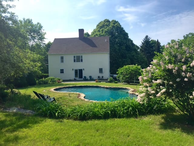 Charming Litchfield Country House Get-Away - Litchfield - Hus