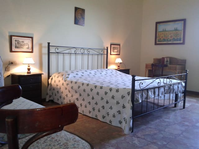 large apartment in old town  - Scarlino - Apartemen