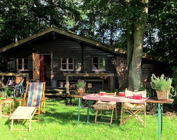 Romantisches Blockhaus 30 km nördlich von Hamburg - Langeln - Hytte