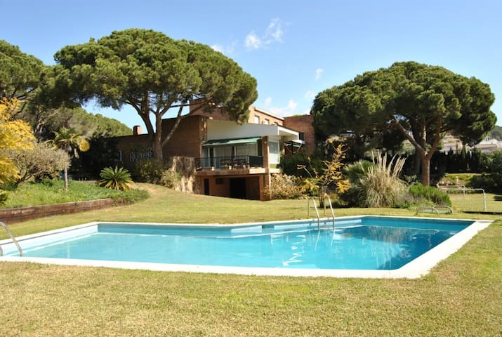 Beautiful Villa with panoramic seaviews - Barcelona - Dom