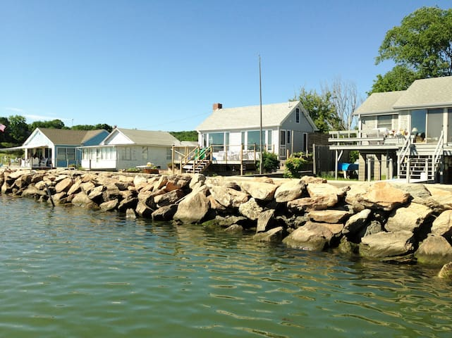 Beach Cottage - Guilford - Talo