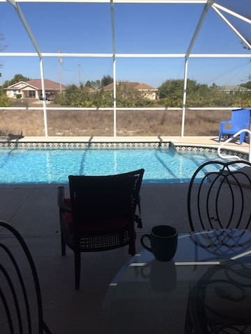 Nice private room in Sunny Florida! - Lehigh Acres - Huis