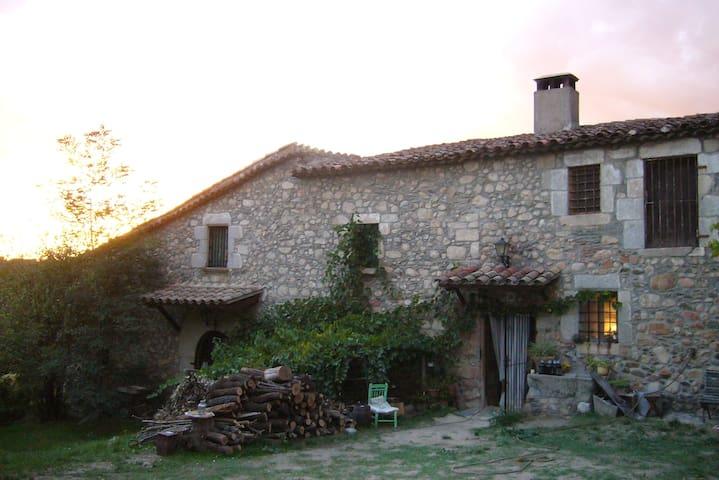 Habitación doble en masía s.XII - Sant Celoni - Ev