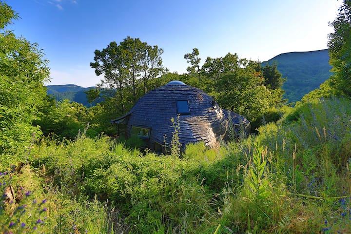 Maison dôme en bois écologique dans la nature - Arrigas - 生態土屋