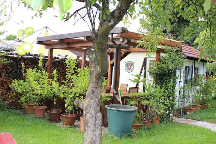 Pitstop in the Romantic Tiny Garden House - Gengenbach - Cabana