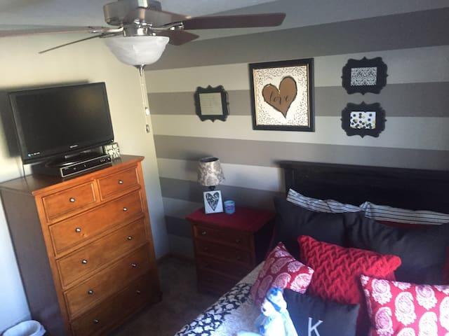 Main level bedroom - Gretna - Hus