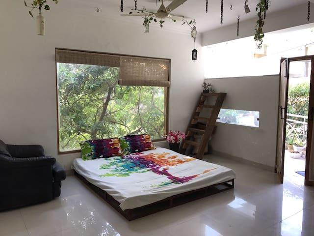 An Antique living experience for U - New Delhi - Huoneisto