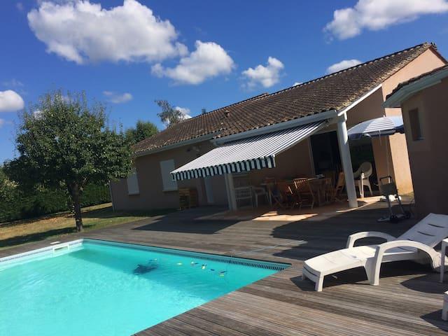 chambre  proche centre Bergerac - piscine - Bergerac - Maison