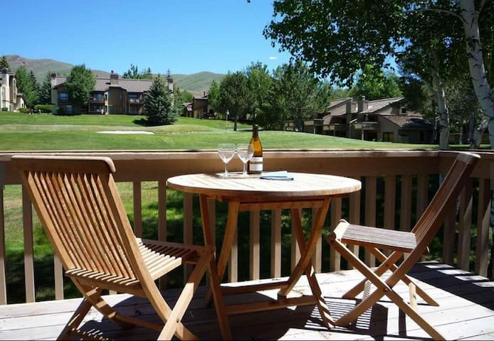 Spacious Golf-Course View Sun Valley Condo - Сан-Вэлли - Кондоминиум