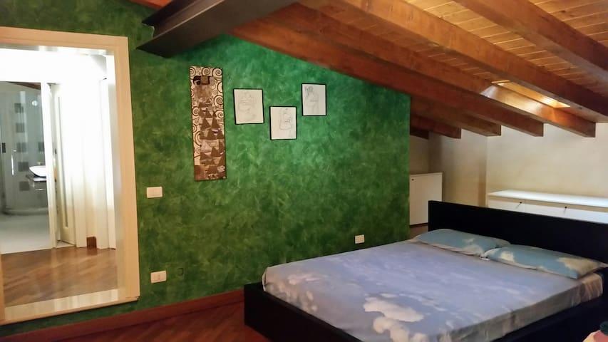 Particolare appartamento in Franciacorta - Bornato - Apartamento