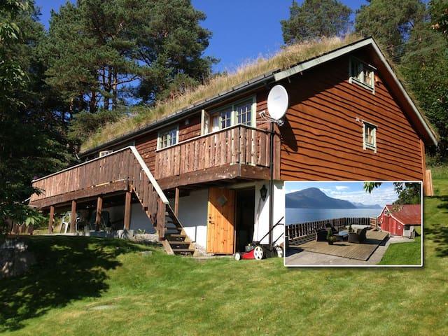 Summerhouse by the fjord - Ørskog - Kulübe