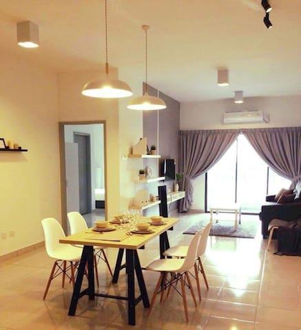 Cozy Designed, Clean & Comfortable 3Room Apartment - Kajang - Apartament