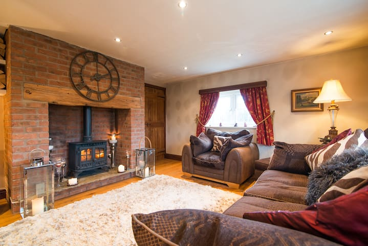 Entire Luxury Cottage - Cheshire - Warrington - Casa