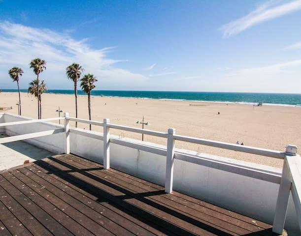 ***Brand New Venice Beach Remodeled Ocean Views*** - Los Angeles