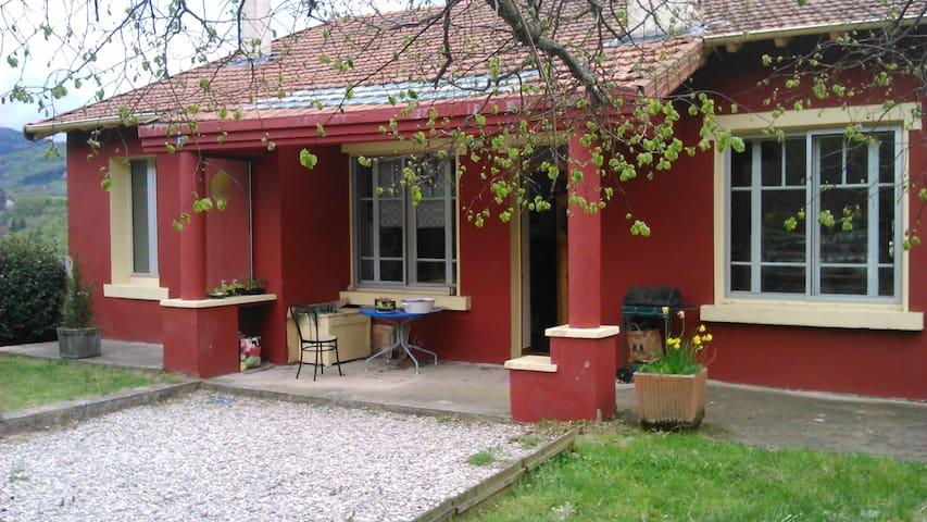 The red house : giraffes - Le Monastier-sur-Gazeille