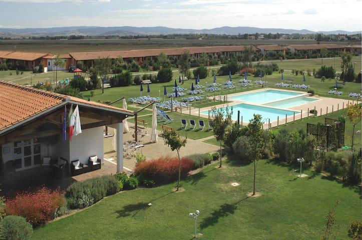 Maremma Toscana, Residence con piscina - Grosseto - Service appartement