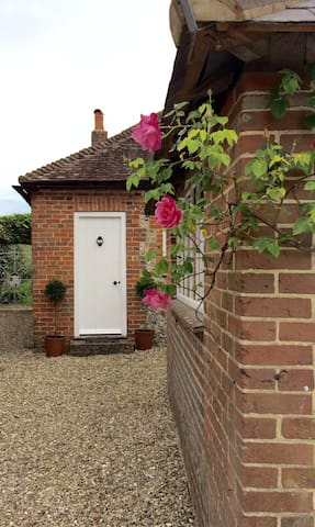 Countryside Cottage at the foot of the South Downs - Singleton - Annat