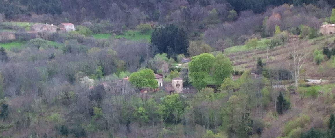 Ardèche verte : chambre d'hôte en pleine nature - Preaux - Casa de huéspedes
