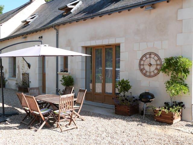 La Maison, a 2 bed, 2 bath, idyllic retreat - Luceau - Konukevi