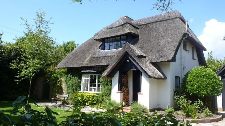 Cottage with Private Pool - West Wittering - Дом