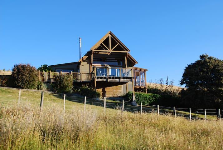 Beautiful lodge on Ruamahanga River - Masterton - Huis