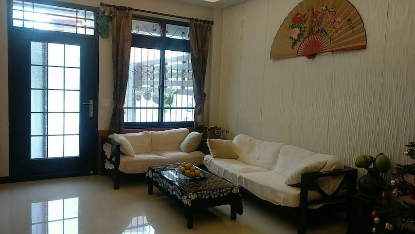 給旅行者一個溫馨、熱情、精緻、寧靜、鄉村氣息的休息居所。 - Nantou City - Huis