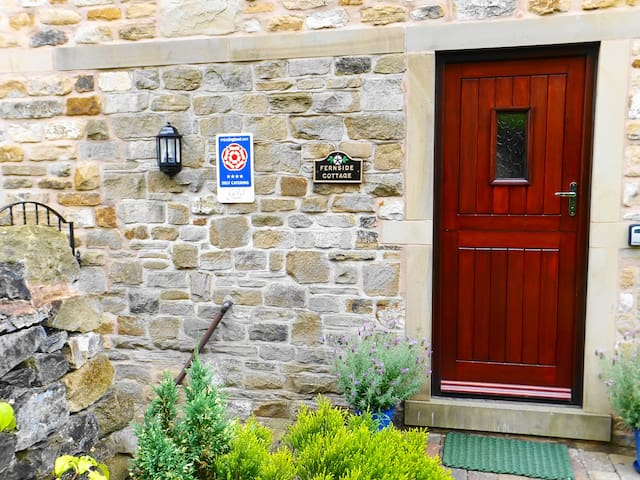 4 star Gold award  Fernside Cottage Self-Catering - Skipton - Casa