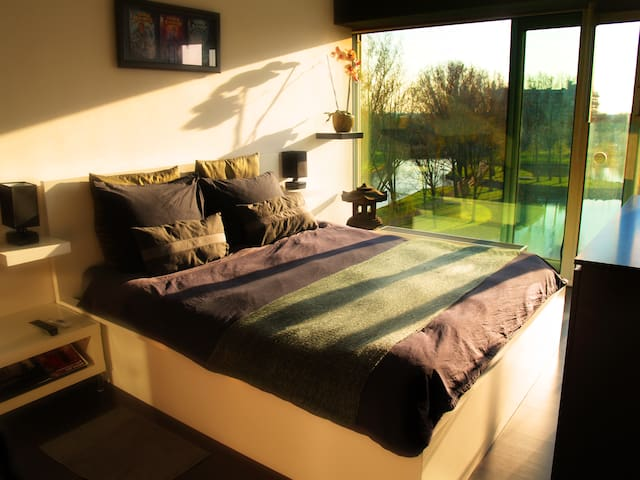 Awesome Room, Excellent Coffee & Triumphant Hosts! - Amsterdam - Apartmen