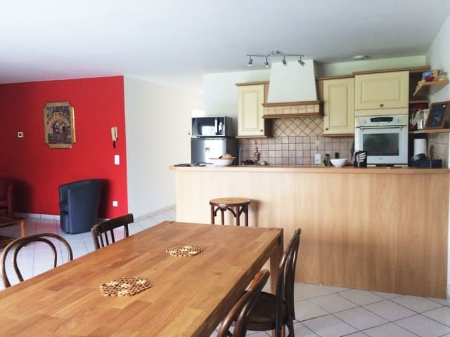 Bel appartement ensoleillé 75m2 - Die - Apartamento
