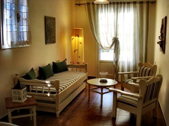 Kiki Apartments-Apartment with garden view 1st fl - Fiskardo - Leilighet