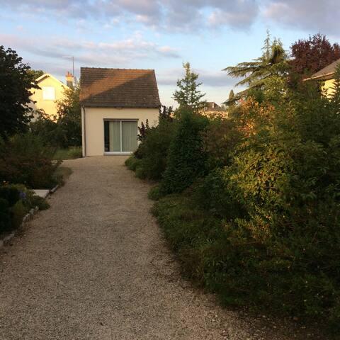 Studio dans quartier résidentiel. - Châtellerault
