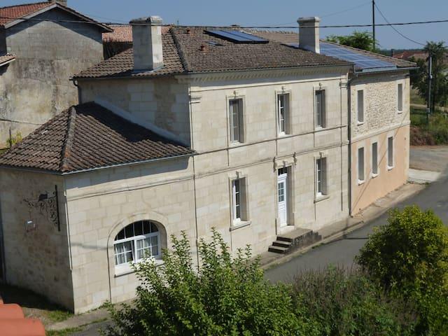 Chambre d'hôtes de charme près de Bordeaux - Soulignac - Casa