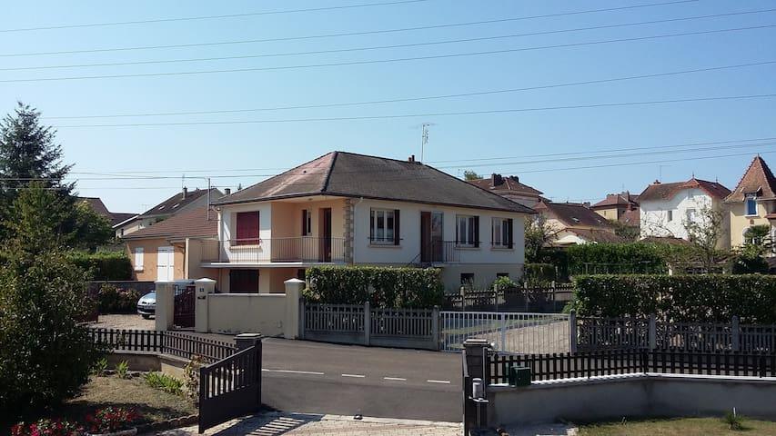 Maison individuelle (3 chambres), proche centre - Paray-le-Monial - Dom
