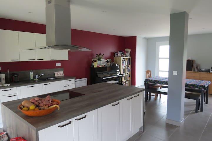 Maison rénovée à 7 km de Pau - Saint-Castin
