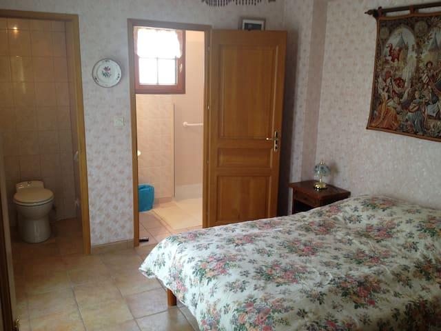Suite parental avec SDB et terrasse - Condé-sur-Vesgre